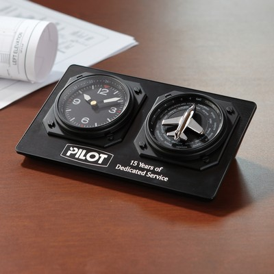 Picture of Auto Adjusting Aviator Clock