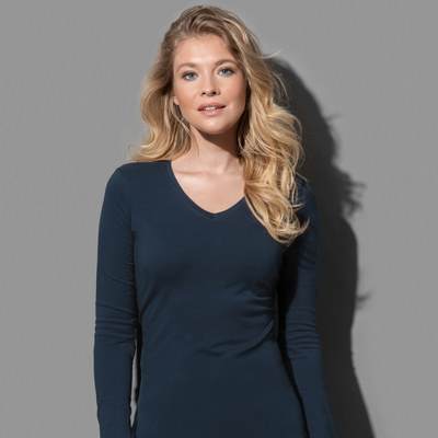 Picture of Stedman Collection Womens Claire V-neck